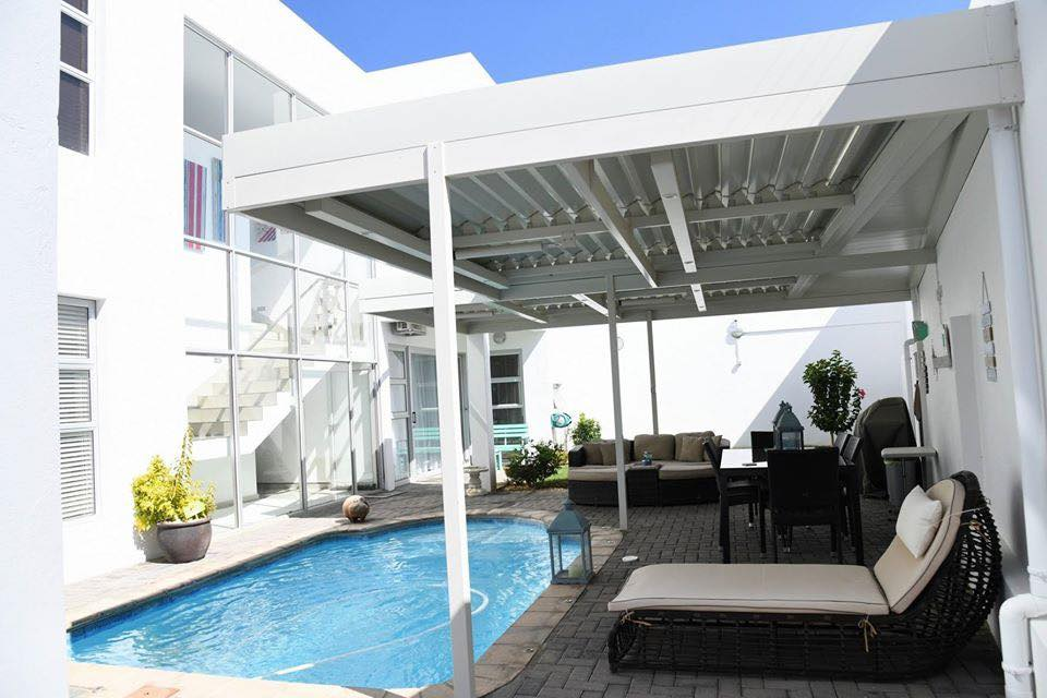 Kleine kuppe Modern 3 Bedroom Home with great views and finishes